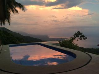 Top of the World View !! - Dominical vacation rentals