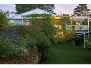 La Maison Bleue Leura - huge flat - Leura vacation rentals