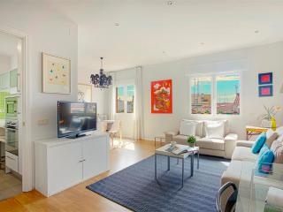 Olavide Apartment. Great location and high quality - Madrid Area vacation rentals