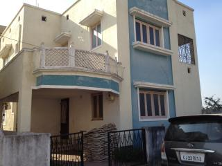 3 bedroom villa with balcony in bharuch india - Ahmedabad vacation rentals