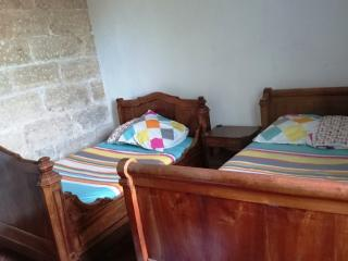 Patio Caballo - Beaucaire vacation rentals