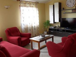 Hous Gordana 6pax - Liznjan vacation rentals