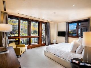 Solaris is a community of luxury condominiums and residences in the heart of Vail Village. - Vail vacation rentals