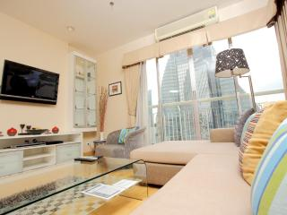 Bangkok 3 Bedroom Apartment on Sukhumvit Soi 18 - Bangkok vacation rentals