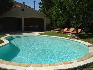 Villa 'Soleil' with swimming pool in the Luberon! - Reillanne vacation rentals
