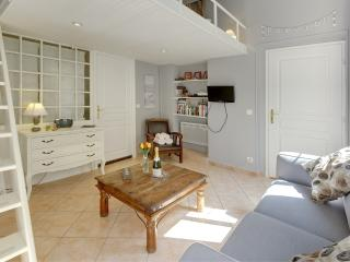 Juliette- Beautiful and Affordable Studio Apartment in Vieux Nice - Nice vacation rentals