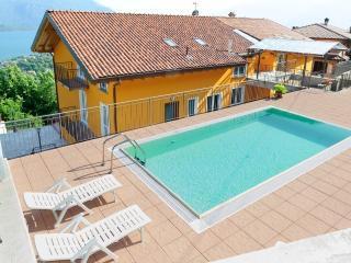 residence le azalee - Vercana vacation rentals