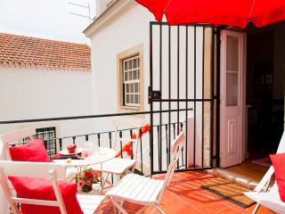 Alfama 2 suites and a big balcony - Lisbon vacation rentals
