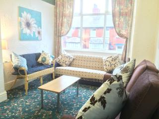 Somerset House Apartment 4 - Central Blackpool - Blackpool vacation rentals