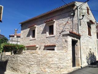 Romantic stone house - Medulin vacation rentals