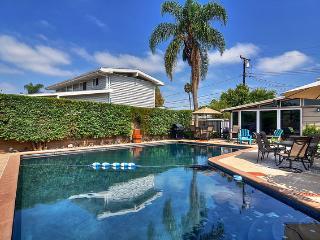 Groovy Getaway!  New!  Pool! Spa! $199 Winter Nts! - Anaheim vacation rentals