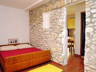 Goran Rabac(22-3952) - Rabac vacation rentals