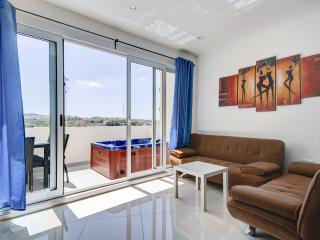 Sunny 2-bedroom with terrace and Seaviews - Sliema vacation rentals