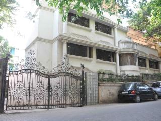 Large Villa in Juhu, Bombay, ideal for big familie - Maharashtra vacation rentals