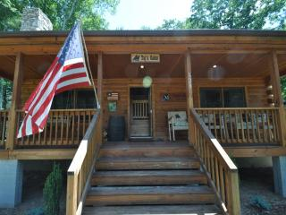 Custom 3br Cabin on 200+ Acre Property - Hot Springs vacation rentals