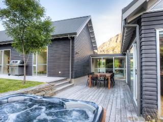 c038b3a8-1cc1-11e4-bcb6-90b11c2d735e - South Island vacation rentals