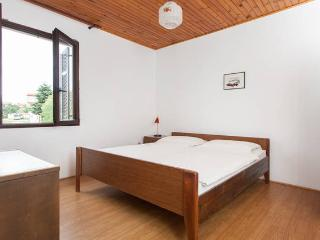 Sunset House - Maks - Peroj vacation rentals