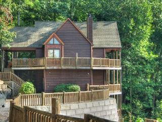 Fantastic Mountain Lodge loaded with all the luxuries you want! - Sevierville vacation rentals