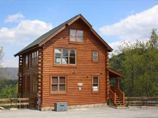 Rustic, Upscale, Luxury, Panoramic View, Hot Tub, Sauna, Game Room, Sleeps 10 - Tennessee vacation rentals