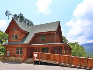 """Newly Furnished, Floor to Ceiling Fireplace, Canopy Bed in Master, 70"""" Plasma - Sevierville vacation rentals"""