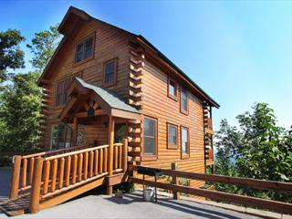 Peaceful, Airy, Air Hockey, Resort Zip Line, Pool Table, Hot Tub, Breezy View - Pigeon Forge vacation rentals