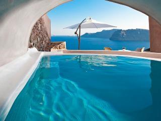 Glauke Villa- Luxury Villa in Oia with pool - Oia vacation rentals