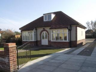 Longlands, Hunmanby, Filey. Spacious holiday property - Hunmanby vacation rentals
