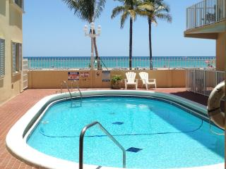 OCEAN VIEW FROM EVERY ROOM. FEW STEPS TO  BEACH. - Hollywood vacation rentals