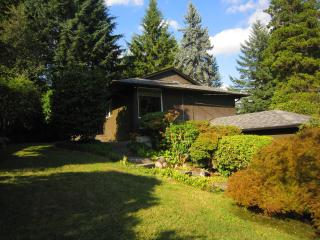 Whole Main Floor Of House With Private Garden ! - North Vancouver vacation rentals