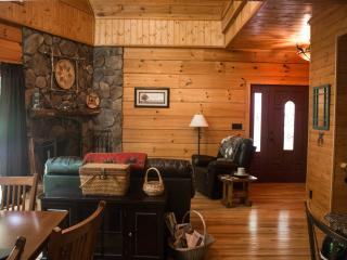 Mi'kmaq Lodge - between Boone and Blowing Rock - Blowing Rock vacation rentals