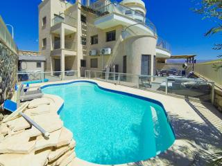 Exclusive Apartment n/ beach with private Pool 3 - Eilat vacation rentals