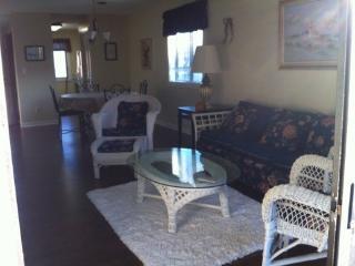 1st Floor Corner Unit in sunny Myrtle Beach SC - Myrtle Beach vacation rentals