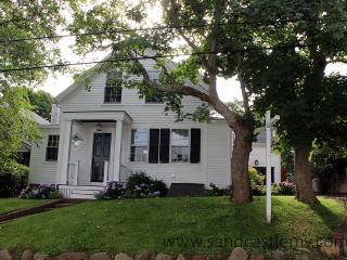 1678 - Wonderful In-town Edgartown Home - Edgartown vacation rentals