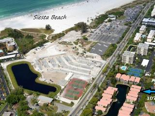 Siesta Key Townhouse across from Pristine Sand & B - Siesta Key vacation rentals