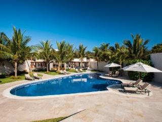 Azul Villa Carola - Spectacular Beachfront Villa with Pool, Jacuzzi and Staff - Puerto Morelos vacation rentals