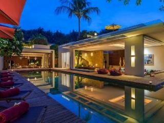 Secluded Villa Hin offers stunning open-air design with pool & rooftop deck - Surat Thani Province vacation rentals