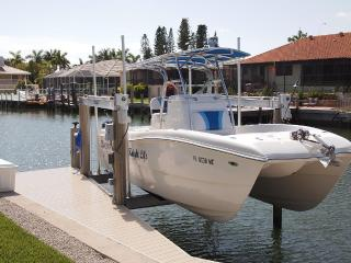Brand New 4/4 with boat!  Walk to beach and more! - Marco Island vacation rentals