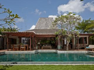 Private  4 bedrooms villa in Batu Belig, Seminyak - Seminyak vacation rentals