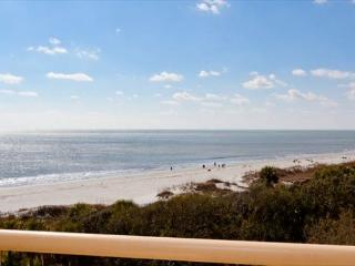 2BR/2BA Oceanfront Villa has Spectacular Views of the Ocean and Beach - Hilton Head vacation rentals