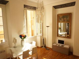 Sunny and chic in Nice: Carriera de l'arc - Nice vacation rentals