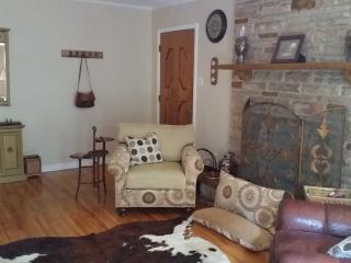 Quiet Country Setting With City Amenities - Memphis vacation rentals