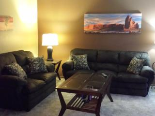 1 bed/1 bath newly renovated/fully furnished condo - Bismarck vacation rentals