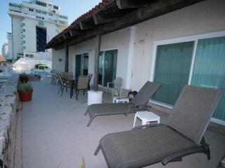 Beautiful 4005 Villa at Cancun Plaza Condo, for Rent!! - Cancun vacation rentals