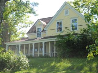 Sunshine House an updated country house, sleeps 20 - New Germany vacation rentals