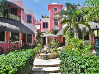 Townhouse or Garden Apartments in a homelike villa - Akumal vacation rentals