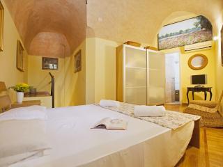 Giulia - Rome vacation rentals