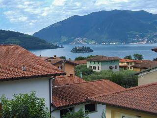 Lago - 3752 - Marone - Sale Marasino vacation rentals