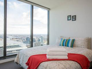 Modern 2BR CBD Apartment Ensuite - Melbourne vacation rentals