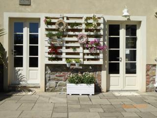 LOVELY VILLA WITH SWIMMING POOL - Massarosa vacation rentals