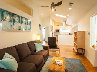 Urban cottage near light rail station - Denver Metro Area vacation rentals